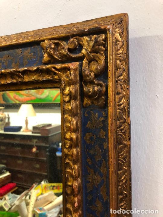 Antigüedades: ANTIGUO ESPEJO DE MADERA Y DORADO ESTILO FRANCES CON MEDIDAS 72,5X58,5 CM - Foto 2 - 263264160