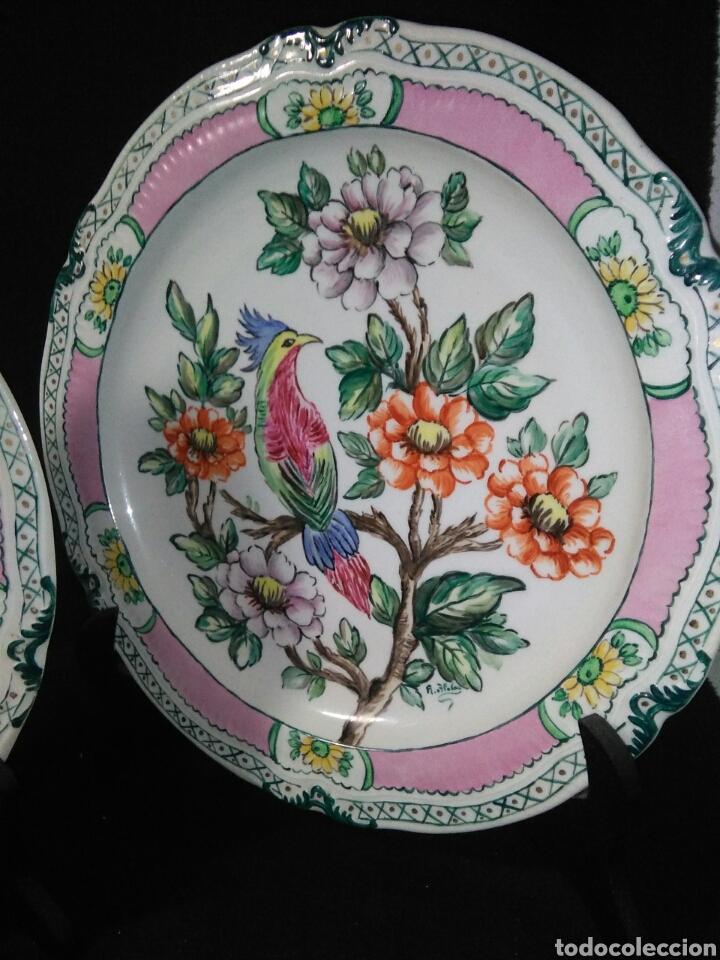 Antigüedades: Precioso platos principios de siglo XX ,ceramica pintado a mano ,esmaltes de colores - Foto 4 - 263265270