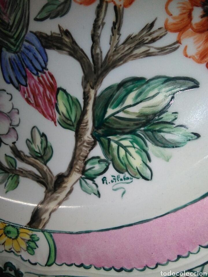 Antigüedades: Precioso platos principios de siglo XX ,ceramica pintado a mano ,esmaltes de colores - Foto 5 - 263265270