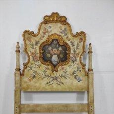 Antigüedades: BONITO CABEZAL DE CAMA DE OLOT - MADERA POLICROMADA Y DORADA - ANCHO -100 CM, ALTURA - 153CM. Lote 263283730
