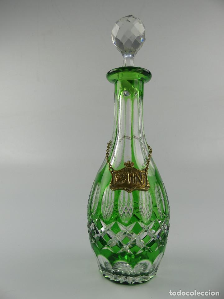 VINTAGE BOTELLA DE CRISTAL DE BOHEMIA COLOR VERDE MUY BONITA (Antigüedades - Cristal y Vidrio - Bohemia)