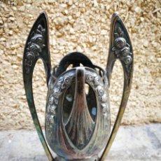 Antigüedades: PEQUEÑO JARRÓN FLORERO MODERNISTA, ART DECO, AÑOS 20'S. 17 CM.. Lote 263561290