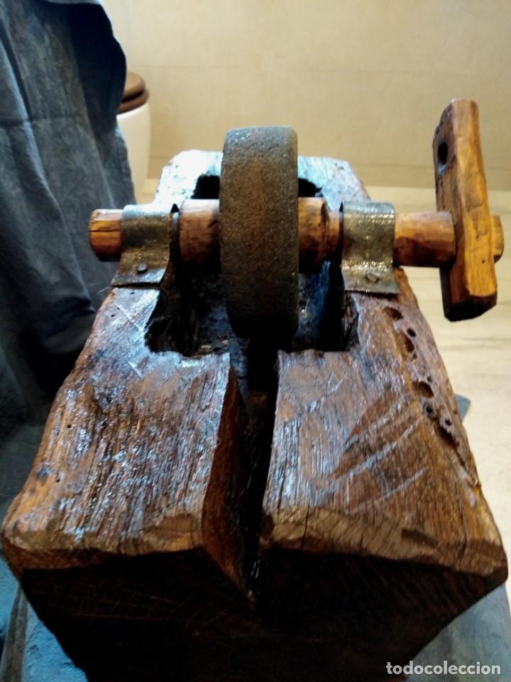 Antigüedades: Afilador piedra esmeril manual. Tallado una sola pieza - Foto 3 - 263574860