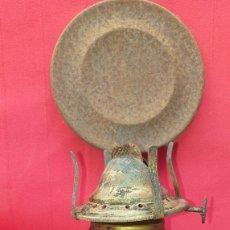 Antigüedades: QUINQUÉ DE CRISTAL Y LATA. Lote 263649770