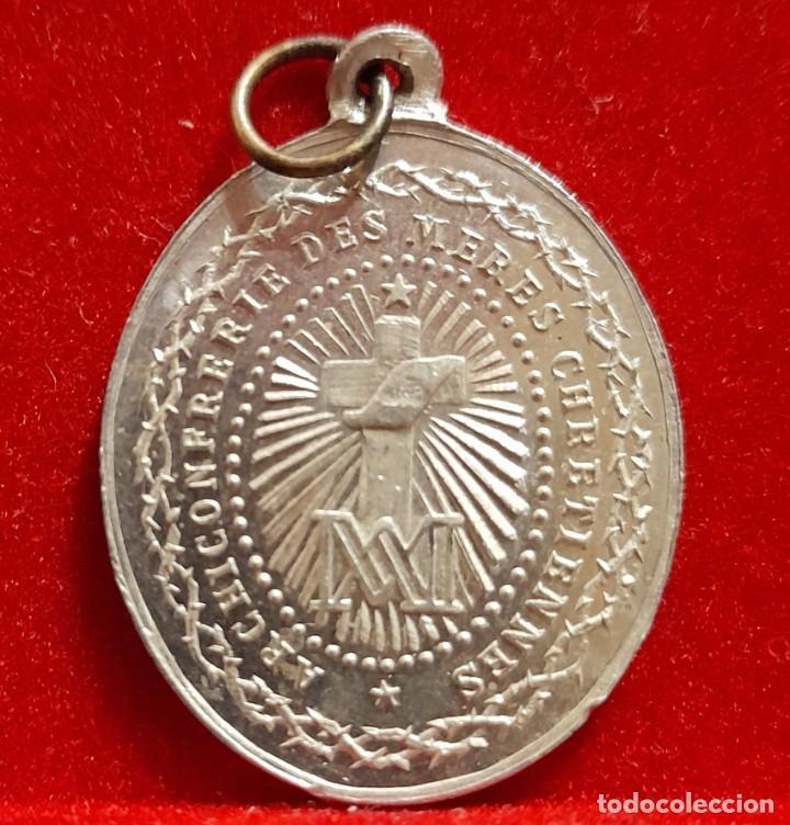 Antigüedades: 5 MEDALLAS RELIGIOSAS VIRGEN. VER FOTOGRAFÍAS DE DETALLE. BONITAS! - Foto 4 - 263660345