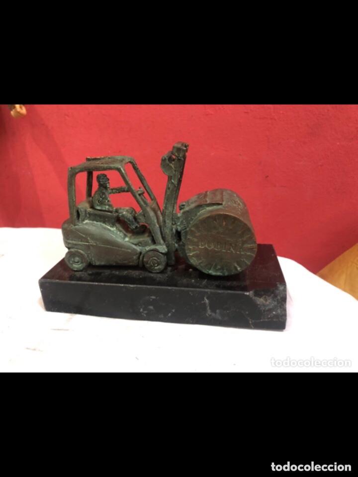 Antigüedades: Figura bronce con base de mármol bombína - Foto 2 - 263684960