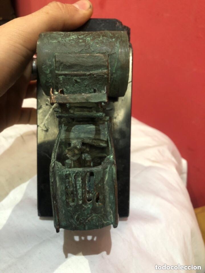 Antigüedades: Figura bronce con base de mármol bombína - Foto 8 - 263684960
