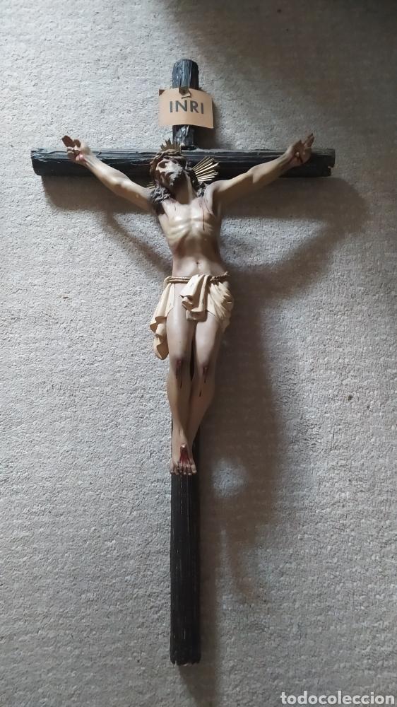 IMPRESIONANTE CRISTO CRUCIFICADO SIGLO XIX TIPO OLOT (Antigüedades - Religiosas - Cruces Antiguas)