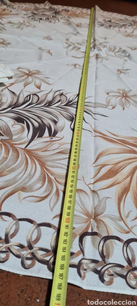 Antigüedades: Precioso Mantel con seis servilletas con motivos florales. - Foto 9 - 263883365