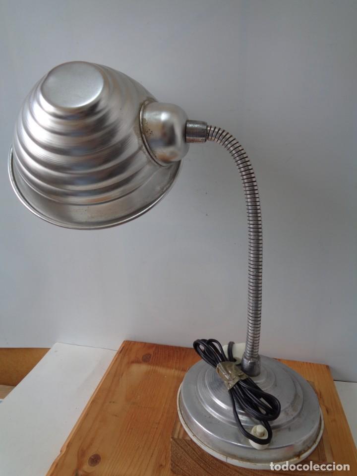 ¡¡ LAMPARA: SOBREMESA, FLEXO ARTICULADA, ALUMINIO, VINTAGE. CIRCA 1950 -60. !! (Antigüedades - Iluminación - Lámparas Antiguas)
