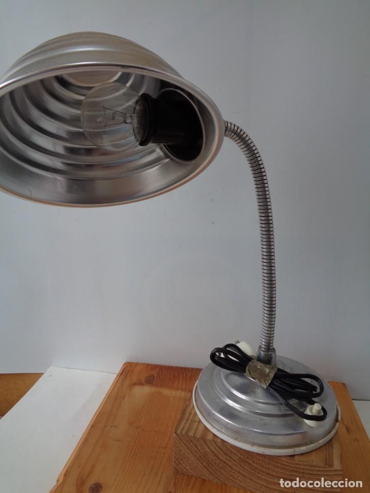 Antigüedades: ¡¡ LAMPARA: SOBREMESA, FLEXO ARTICULADA, ALUMINIO, VINTAGE. CIRCA 1950 -60. !! - Foto 2 - 263912165
