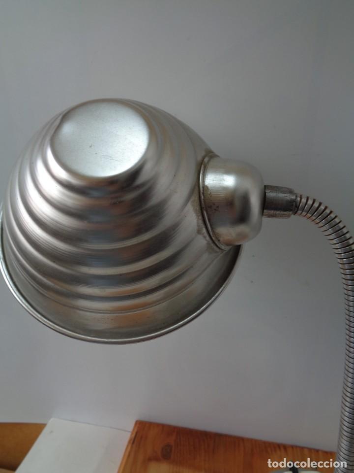 Antigüedades: ¡¡ LAMPARA: SOBREMESA, FLEXO ARTICULADA, ALUMINIO, VINTAGE. CIRCA 1950 -60. !! - Foto 3 - 263912165