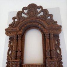 Antigüedades: CAPILLA TALLADA. Lote 263968560