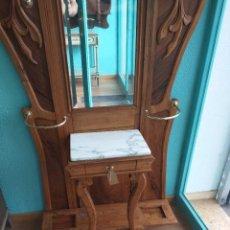 Antiquités: RECIBIDOR PARAGUERO MODERNISTA. Lote 264099305