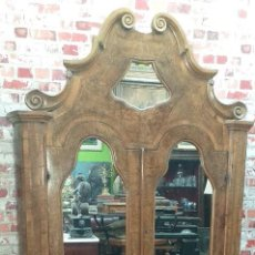 Antigüedades: BUREAU CON PARTE ALTA MADERA DE NOGAL. Lote 264122215