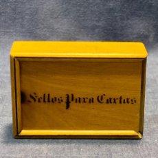 Antigüedades: CAJA CAJITA MADERA SELLOS PARA CARTAS S XIX 2,5X7,5X5CMS. Lote 264122900