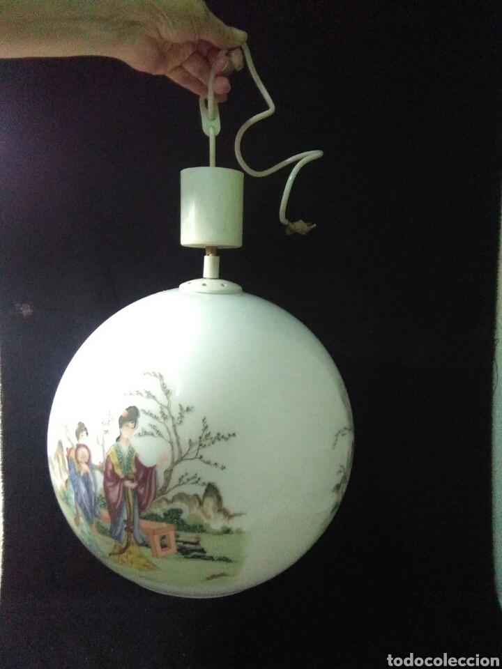 Antigüedades: Antigua lampara de cristal opalina ,de carácter oriental , globular - Foto 2 - 264167232