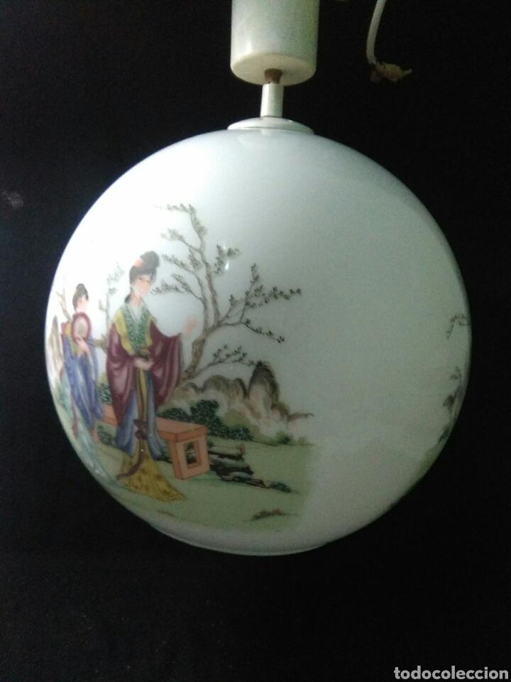 Antigüedades: Antigua lampara de cristal opalina ,de carácter oriental , globular - Foto 3 - 264167232