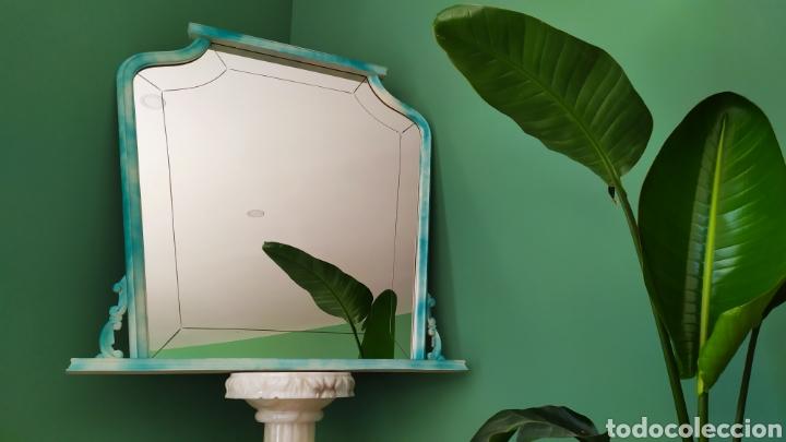 Antigüedades: Espejo Renovado de Antiguo Tocador. Años 70. De Blanco Antiguo y Turquesa. - Foto 2 - 264185908