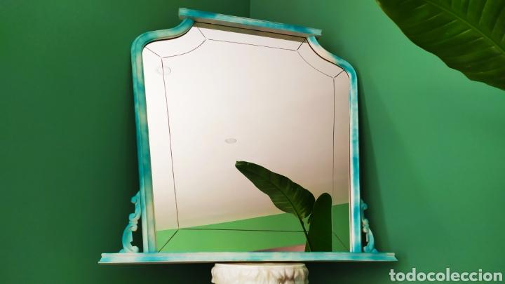 Antigüedades: Espejo Renovado de Antiguo Tocador. Años 70. De Blanco Antiguo y Turquesa. - Foto 6 - 264185908