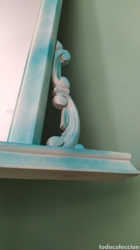 Antigüedades: Espejo Renovado de Antiguo Tocador. Años 70. De Blanco Antiguo y Turquesa. - Foto 10 - 264185908