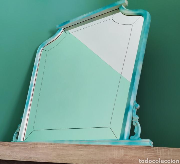 Antigüedades: Espejo Renovado de Antiguo Tocador. Años 70. De Blanco Antiguo y Turquesa. - Foto 12 - 264185908