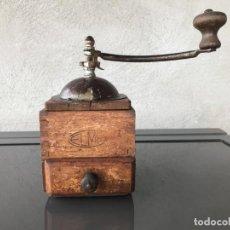 Antigüedades: MOLINILLO CAFE ELMA DE MADERA AÑOS 70. Lote 264266364