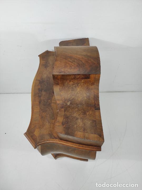 Antigüedades: Pequeña Cómoda Catalana - Tocador (Lligador) Original de Época - Madera de Raíz Nogal - S. XVIII - Foto 23 - 264345132