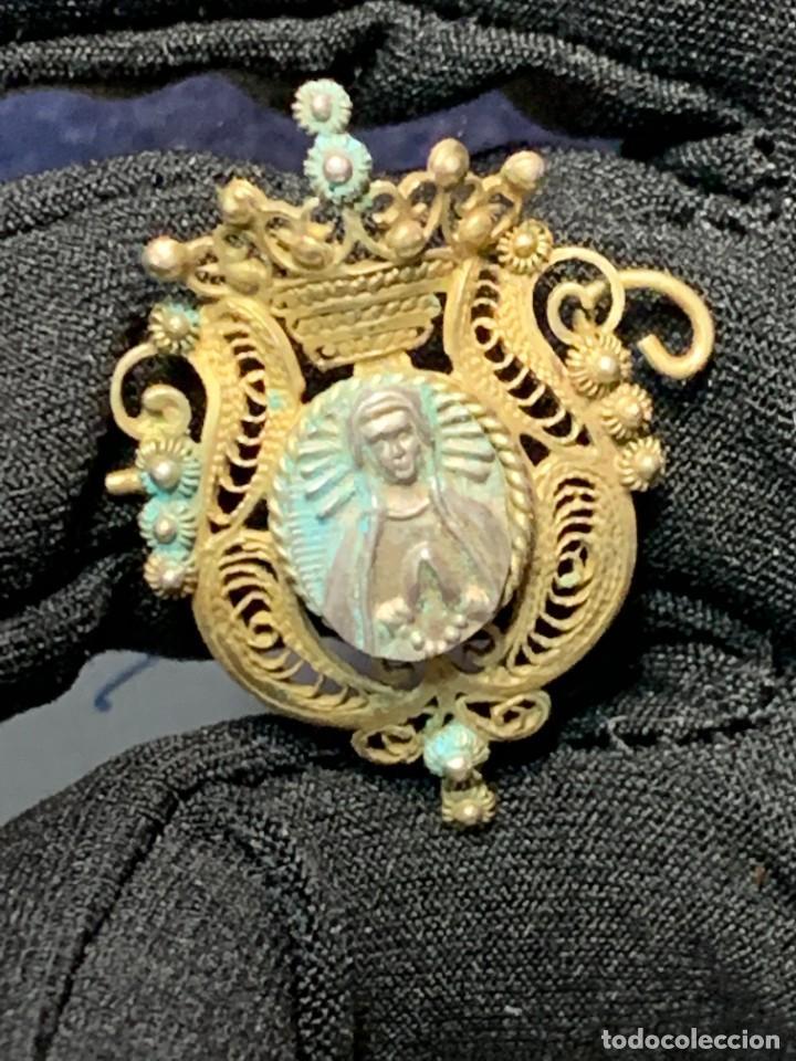 Antigüedades: BROCHE ADORACION VIRGEN DOLOROSA PENITENCIA DEVOCION FILIGRANA PLATA DORADA PPIO S XX 2,5X2CMS - Foto 3 - 264349099