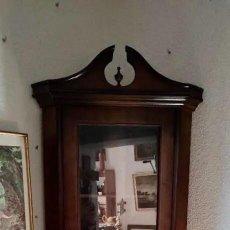 Antigüedades: MUEBLE VITRINA RINCONERA DE PIÉ. Lote 264427519