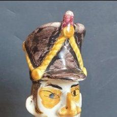 Antigüedades: FIGURA SOLDADO OFICIAL MILITAR CON SABLE CERAMICA VALENCIA MANISES 29 CM ALTURA. Lote 264493969