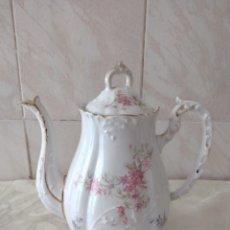 Antigüedades: ANTIGUA CAFETERA DE PORCELANA LIMOGES FRANCE. J & B. Lote 264747474