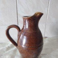 Antigüedades: ANTIGUA JARRA DE MESA DE CERÁMICA GRES DE BERRY FAITE A MAIN MADE IN FRANCE. Lote 264767614