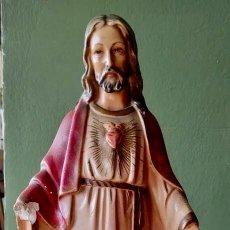 Antigüedades: IMAGEN DEL SAGRADO CORAZÓN EN ESCAYOLA - ANTIGUA. Lote 264823959