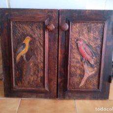 Antigüedades: PUERTAS PEQUEÑAS CON TALLA MADERA. Lote 265163594