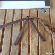 Antigüedades: 3 LLAVES EN FORJA UTILIZADA POR LOS GANADEROS ABRIR CERRAR LAS TRAVAS Y GRILLETES EN EL GANADO. Lote 265216209