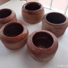 Antigüedades: BEBEDEROS COMEDEROS PARA GALLINAS. Lote 265344904