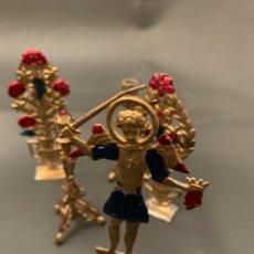Antigüedades: ALTARCITO, CON SU CUSTODIA, 4 JARRONES DE FLORES, 3 HACHEROS, SAN JORGE, ÚNICO, DE COLECCIÓN,S, XIX. Lote 265433424