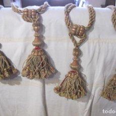 Antigüedades: IMPORTANTE Y ANTIGUOS CUATRO ALZAPAÑOS DE SEDA CON BORLAS. FINAL SIGLO XIX. Lote 265485409