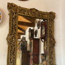 Antigüedades: ESPEJO EN MADERA TALLADA. Lote 181108296