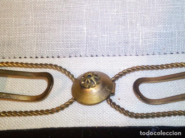 Antigüedades: ~~~~ ANTIGUO BROCHE, CIERRE DE METAL PARA CAPA PLUVIAL, MIDE 10 X 2,50 CM. ~~~~ - Foto 2 - 265657119