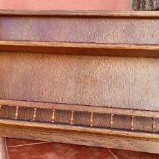 Antigüedades: ESTANTERÍA PLATERO EN MADERA DE ROBLE. Lote 265699199