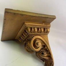Antigüedades: MENSULA DE MADERA Y ESTUCO DORADA. S.XX.. Lote 265755449