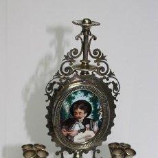 Antiquités: 80,, RARO RELICARIO TRABAJO DE ORFEBRERIA TIPO CANDELABRO. NECESITA RESTAURACION PINTADO A MANO.. Lote 265763494