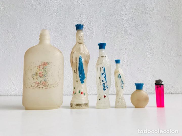 Antigüedades: LOTE DE 5 AGUA BENDITERA NUESTRA SEÑORA DE LOURDES BOTELLA BENDITA VIRGEN SOUVENIR RECUERDO FRANCIA - Foto 2 - 265776274