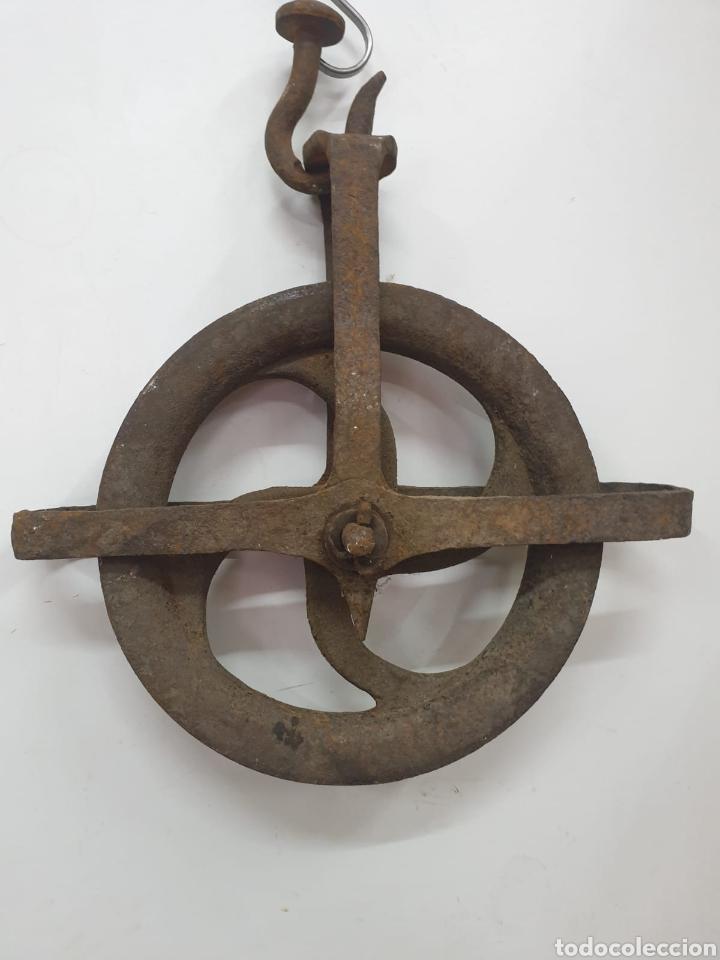 POLEA ANTIGUA (Antigüedades - Técnicas - Rústicas - Caballería Antigua)