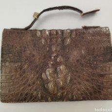 Antigüedades: BOLSO DE PIEL DE COCODRILO ANTIGUO. Lote 265993888