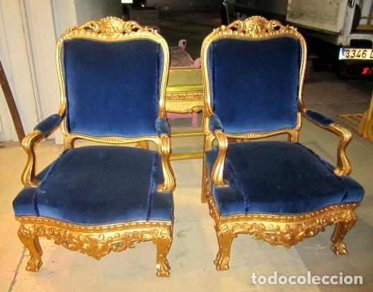Antigüedades: Sofa sillones y mesa antiguos de madera tallada y dorada, tapizados en terciopelo azul - Foto 7 - 266076773
