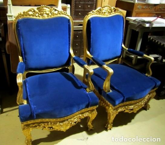 Antigüedades: Sofa sillones y mesa antiguos de madera tallada y dorada, tapizados en terciopelo azul - Foto 11 - 266076773