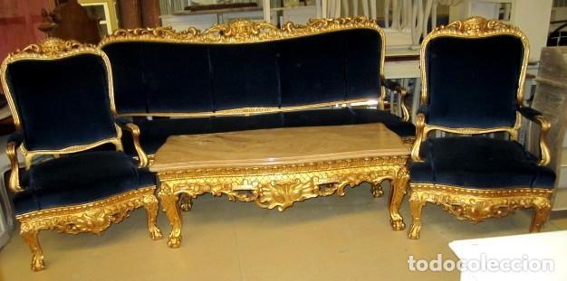 Antigüedades: Sofa sillones y mesa antiguos de madera tallada y dorada, tapizados en terciopelo azul - Foto 12 - 266076773
